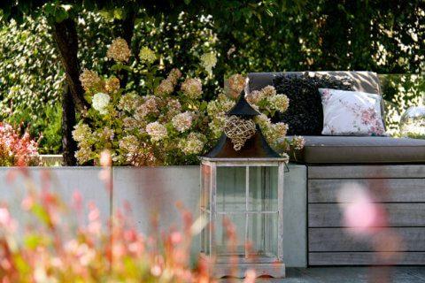 Beliebteste-Referenzgaerten-Wohnliche-Terrassengestaltung-3