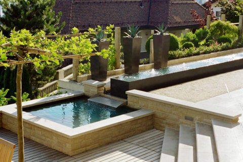 Garten-mit-Wasserbecken-3