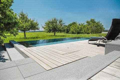 Infinity-Swimming-Pool-Garten-6