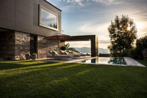 Moderne-Gartengestaltung-Zürich-Swimming-Pool-1