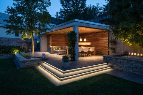 Moderne-Gartengestaltung-Zürich-Swimming-Pool-10-Gartenbeleuchtung-Pergola