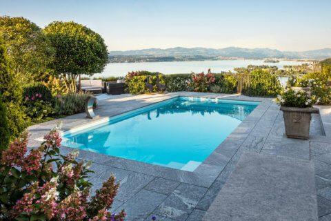 Garten-mit-Pool-und-Seesicht-5