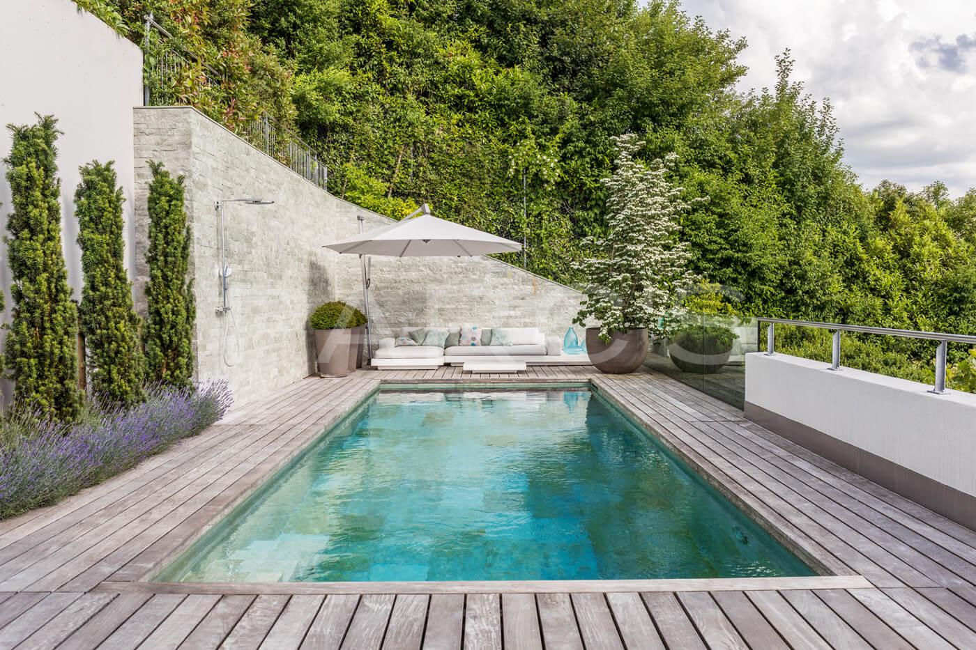 Terrasse mit Pool   PARC'S Gartengestaltung GmbH