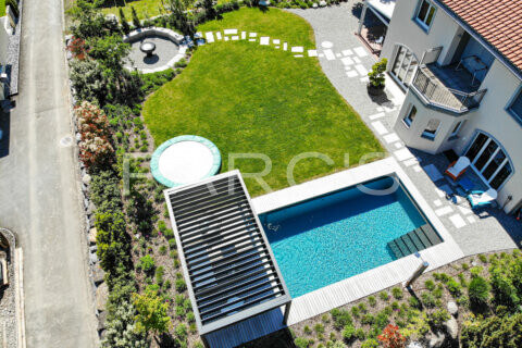 moderner-familiengarten-mit-naturpool-parcs-gartengestaltung-2