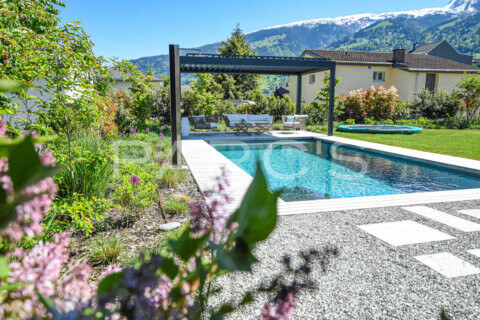 moderner-familiengarten-mit-naturpool-parcs-gartengestaltung-6