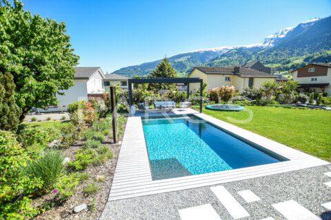 moderner-familiengarten-mit-naturpool-parcs-gartengestaltung-8