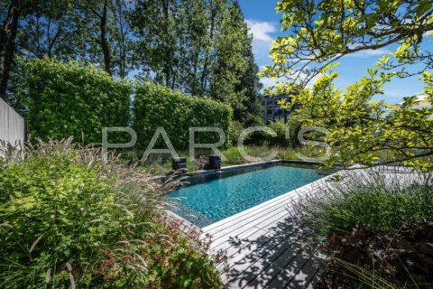 naturnaher-garten-mit-pool-ohne-chlor-parcs-gartengestaltung-2