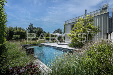 naturnaher-garten-mit-pool-ohne-chlor-parcs-gartengestaltung