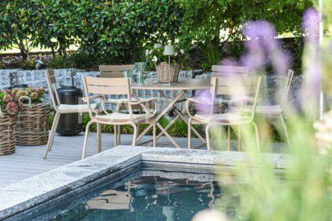 kleiner-terrassengarten-terrasse-mit-brunnen-parcs-gartengestaltung-5