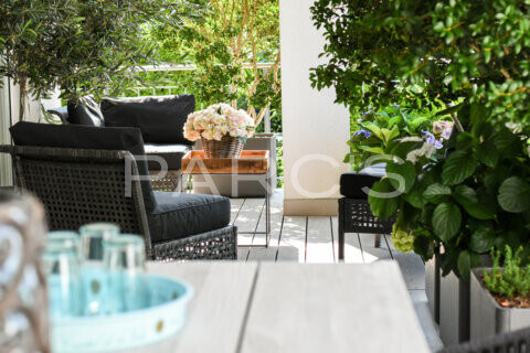 kleiner-terrassengarten-terrasse-mit-brunnen-parcs-gartengestaltung-8